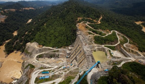 """The dam is capable of supplying up to 944MW of """"sustainable, renewable and affordable"""" energy for the state."""