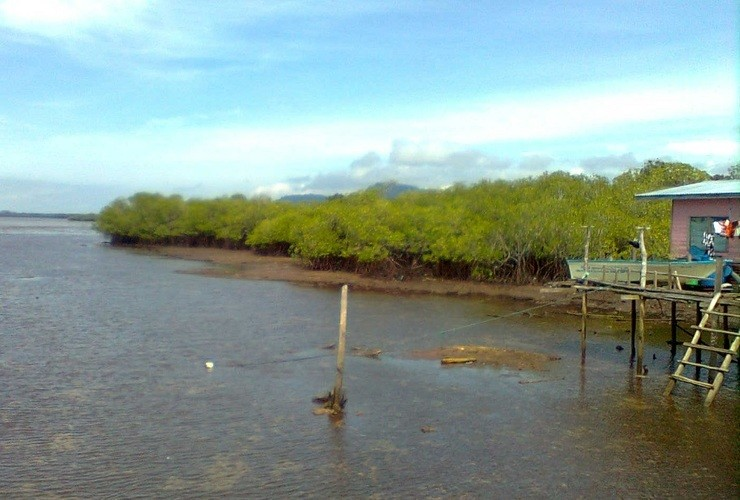 File photo of a jetty at Kampung Sum Sum in Semporna.
