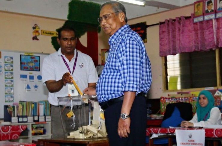 File photo of the late Adenan Satem casting his vote during the 2016 Sarawak State elections.
