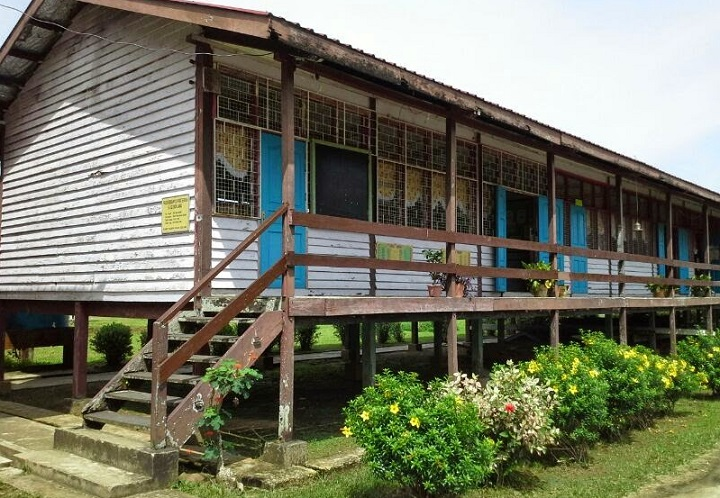 The dilapidated SK Long Tudon in Ba' Kelalan requires urgent repairs and the STIDC and STA could quickly look into it.
