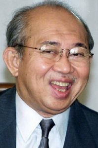 Tengku Razaleigh Hamzah can be seen to have pushed for a lop-sided deal favouring then Kuala Lumpur.