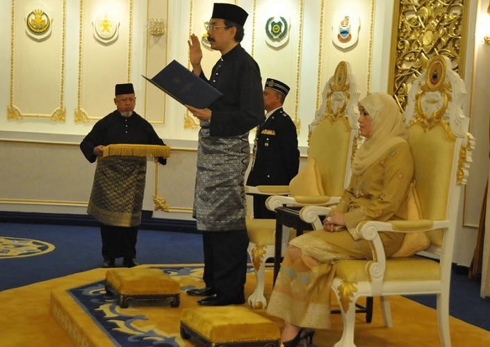 Tun Juhar Mahiruddin, the current Head of State, celebrated his official birthday on October 1 as Yang diPertua Negeri.