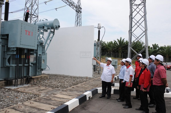 File photo of SESB officials at a sub station in Matunggong.