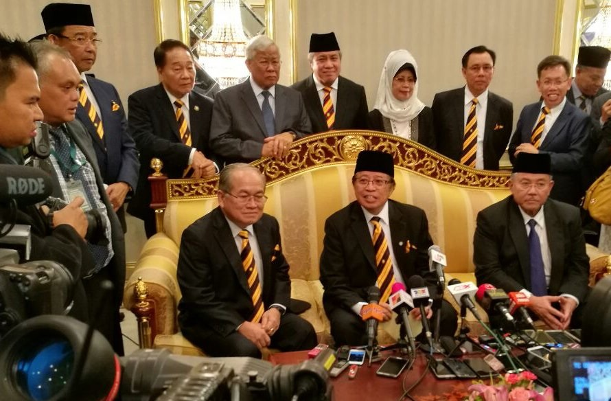 Abang Johari says Umno will not enter Sabah under his watch. He was speaking to the media in Kuching after the swearing in of his Cabinet Thursday. Photo credit The Borneo Post